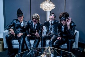 80s-cover-band-flashback-heart-attack-black-suits-800-web